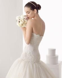 10% de descompte en la neteja i planxat de vestits de núvia!