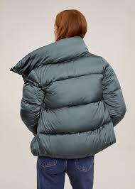 Treu-t'he la jaqueta i l'abric!